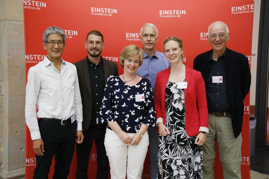 """Podiumsteilnehmer der Veranstaltung """"Meeting Einstein"""" mit Brian Kobilka"""